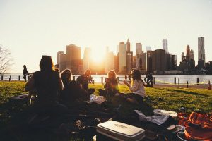 conversation with strangers | emindful.com